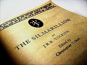 280px-Silmarrillion,_Just_under_the_Cover // www.sweetberry.fr